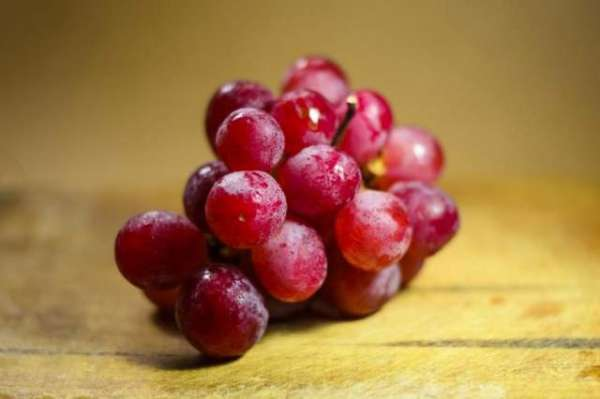 Bunch Of Rare Grapes Sells For $11,000 In Japan