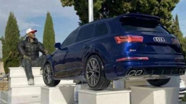 Known Criminal's Tomb Features Life-Size Statue Of Him And Replica Of Audi Q5